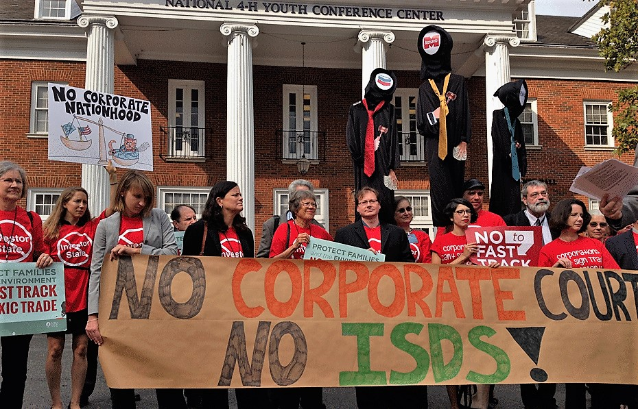 ISDS-MIC-protest