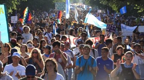 Զանգվածային ցույցերի արդյունքում Արգենտինայում չեղարկվեցին հանքերին առնչվող օրենքի փոփոխությունները